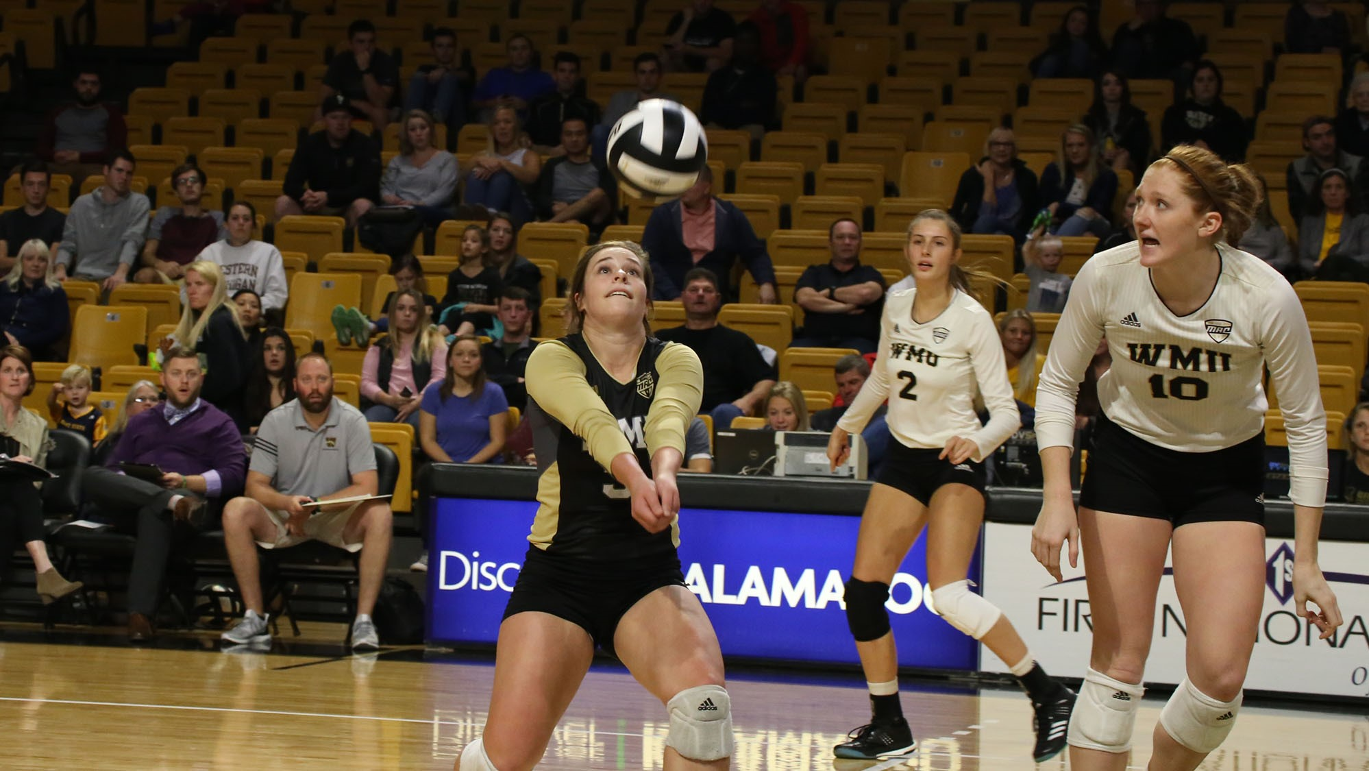 Volleyball Claims 3-1 Victory over Ohio